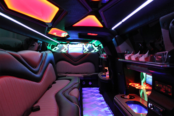 8 Person Chrysler 300 Limo Rental Sacramento